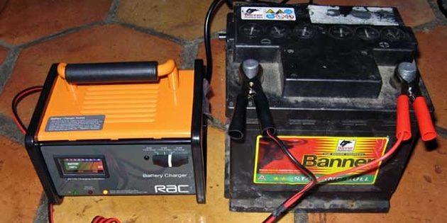 Каким током заряжать автомобильный аккумулятор - коротко о главном