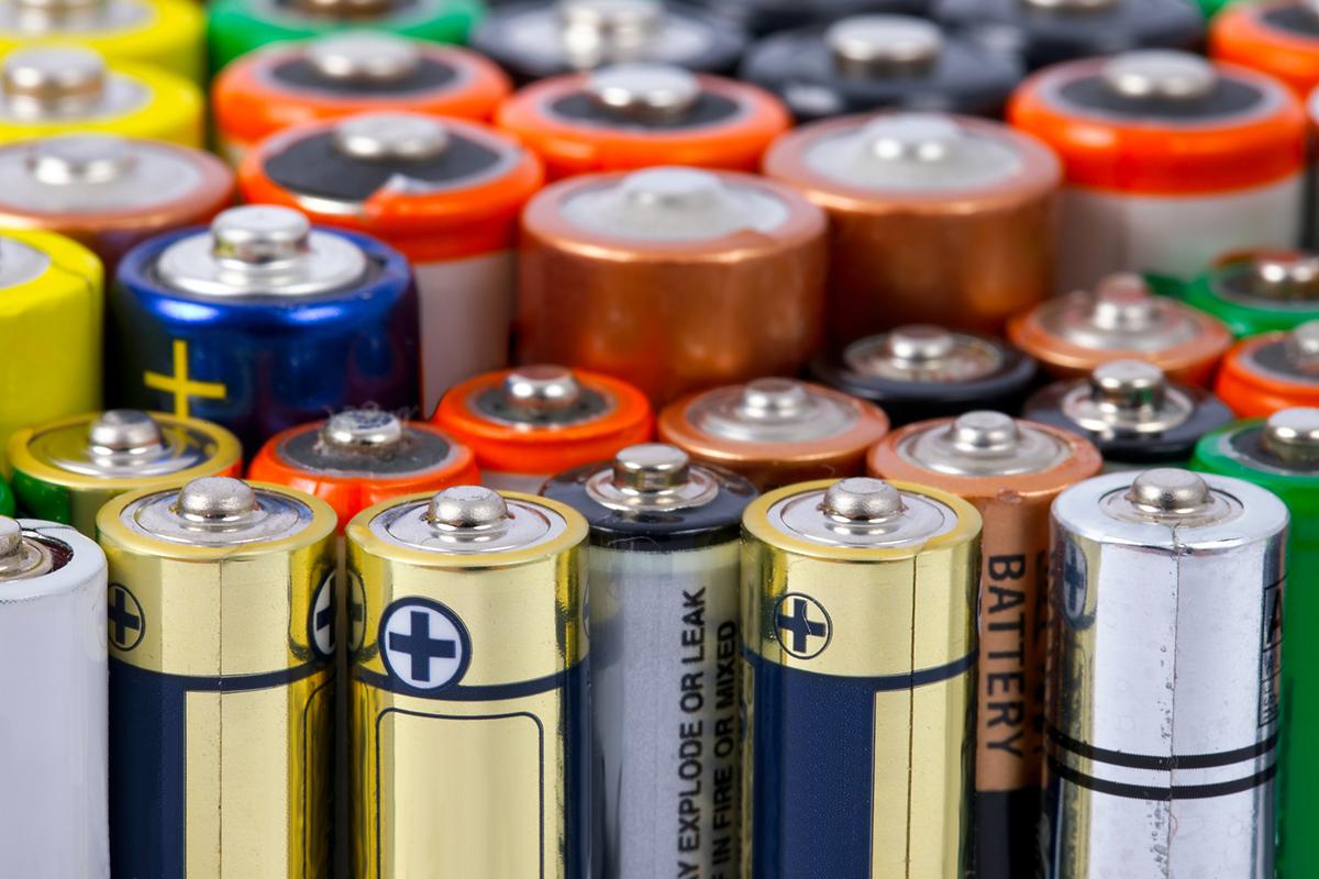 Разновидности солевых батареек и особенности их эксплуатации