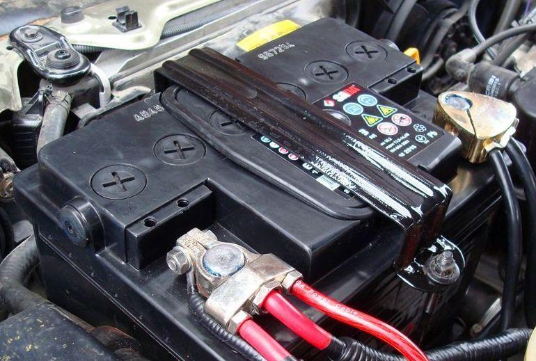 Это тоже надо знать каждому автомобилисту: как зарядить аккумулятор автомобиля на холостом ходу