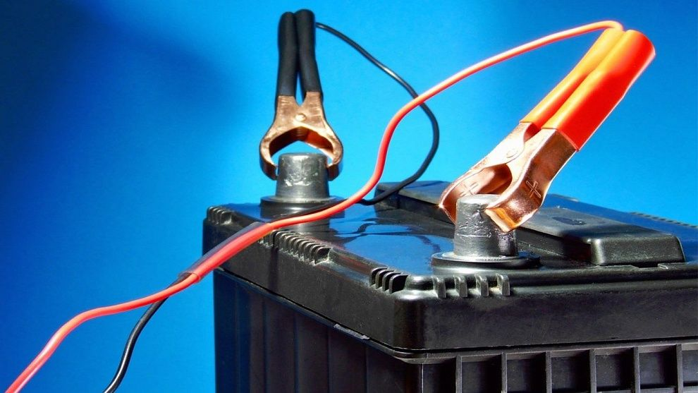 Причины, почему греются на аккумуляторе клеммы или провода
